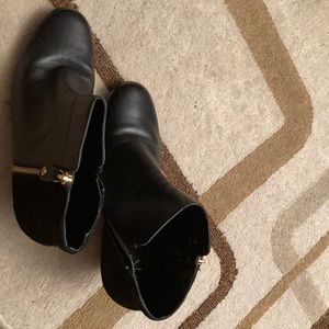 Isaac Mizrahi Black Suede and Leather Boots.
